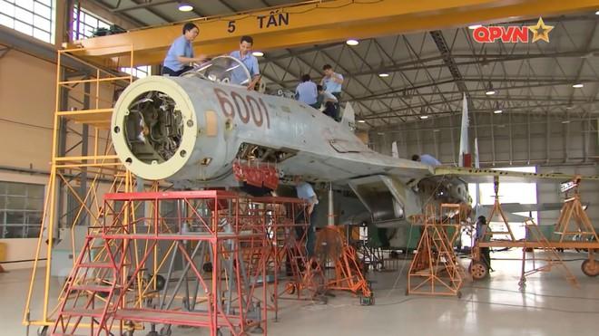 Việt Nam đẩy nhanh tiến độ tăng hạn, sửa chữa lớn tiêm kích Su-27 - Ảnh 2.