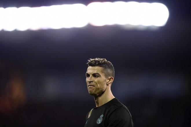 Giống Raul và Casillas, Ronaldo là nạn nhân chính sách vắt chanh bỏ vỏ - Ảnh 2.