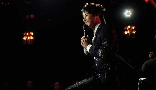 Rocker Nguyễn xúc động trước tình yêu của khán giả Hà Nội - Ảnh 8.