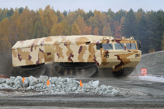 Những cỗ xe cõng tên lửa phòng không Bắc Cực của Nga có gì đặc biệt? - Ảnh 1.