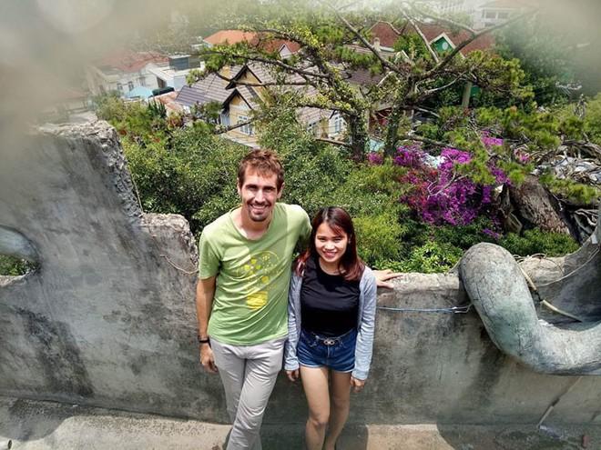 Phải lòng cô gái Hà Tĩnh bán cà phê, chàng giám đốc Mỹ cứ mở mắt ra là học tiếng Việt - Ảnh 5.