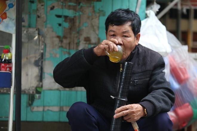 Bố bị cáo trong vụ án Trịnh Xuân Thanh: Tôi sẽ đạp xe đưa con đi cảm ơn họ hàng - Ảnh 2.