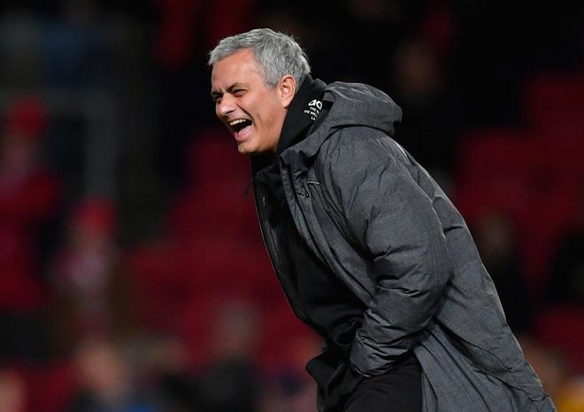 Tin được không, lối đá ấy từng là của Man United đấy! - Ảnh 3.