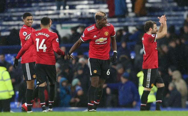 Paul Scholes chỉ trích Pogba là đúng, nhưng Mourinho phản ứng chẳng hề sai  - Ảnh 2.