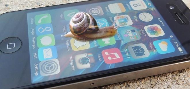 Kiểm tra ngay 7 dấu hiệu này để xem iPhone của bạn có đang bị Apple làm chậm hay không - Ảnh 1.