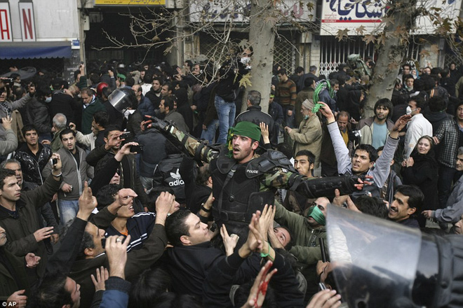 Thủ tướng Israel thổi lửa vào Iran: Ngày chính quyền Tehran sụp đổ, hai nước lại là bạn - Ảnh 4.