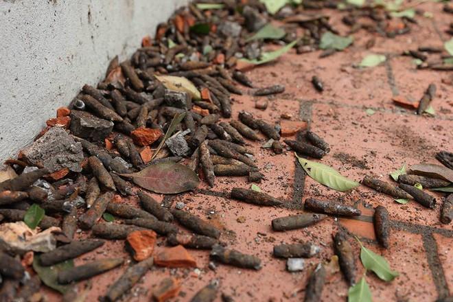 Vụ nổ ở Bắc Ninh: Đạn phủ kín đường làng, đã thu gom được 500kg đầu đạn - Ảnh 15.