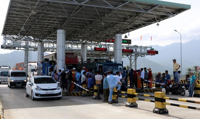 Tài xế bỏ xe không đóng phí, BOT Ninh An buộc xả 6 lần - Ảnh 2.