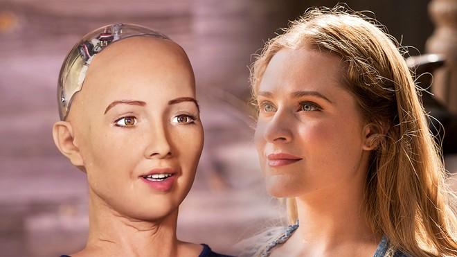 Sophia: Cô nàng robot từng tuyên bố hủy diệt con người, lần đầu nói lời yêu - Ảnh 3.