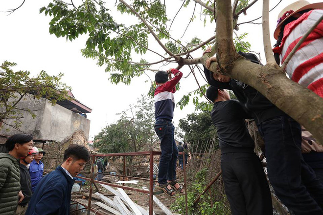 Nhặt vỏ đạn sau vụ nổ ở Bắc Ninh, người đàn ông bị nổ nát bàn tay - Ảnh 7.