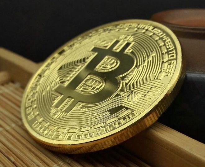 Bán đồng bitcoin lì xì tết, mỗi ngày kiếm cả chục triệu đồng - Ảnh 1.