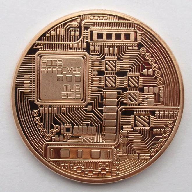 Bán đồng bitcoin lì xì tết, mỗi ngày kiếm cả chục triệu đồng - Ảnh 2.