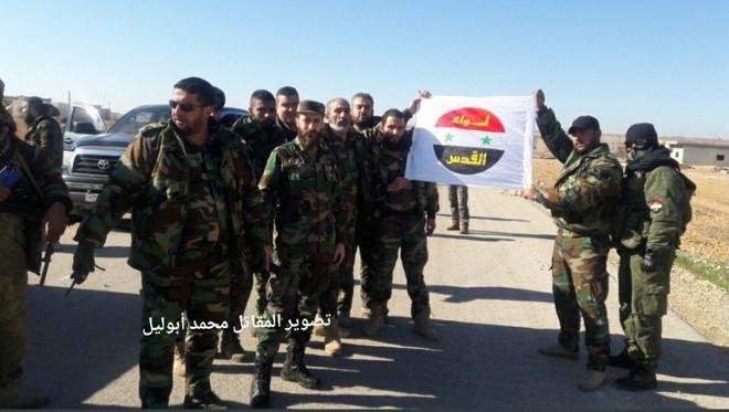 Cùng QĐ Syria, lực lượng tinh nhuệ Palestine tràn ngập Idlib với vũ khí Mỹ: Toàn đồ chất - Ảnh 1.