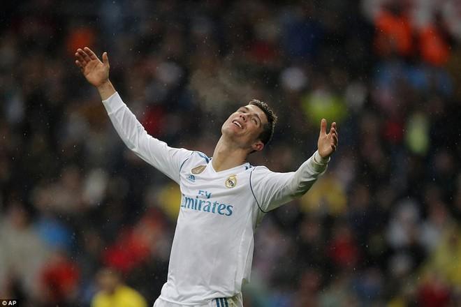 Ronaldo hết thời rồi - Ảnh 1.