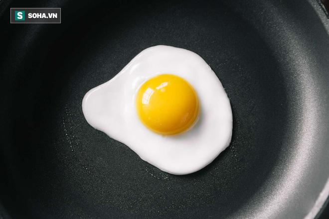 Cẩn thận với 10 loại thực phẩm dễ gây ngộ độc nếu ăn không đúng cách - Ảnh 1.