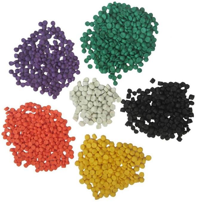 Hạt nhựa tái chế thường có nhiều màu sắc, màu đục hơn