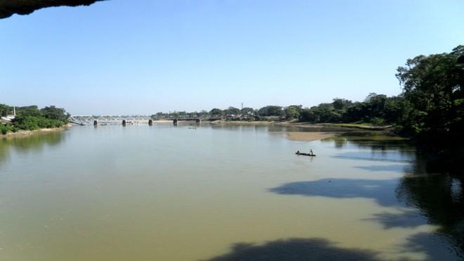 Cảnh báo nguy hiểm phía sau cơn sốt đập nước của Trung Quốc - Ảnh 1.