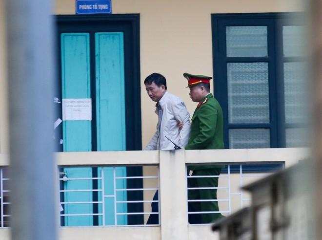 Thẩm phán bắt đầu đọc bản án cho bị cáo Đinh La Thăng, Trịnh Xuân Thanh và đồng phạm - Ảnh 2.