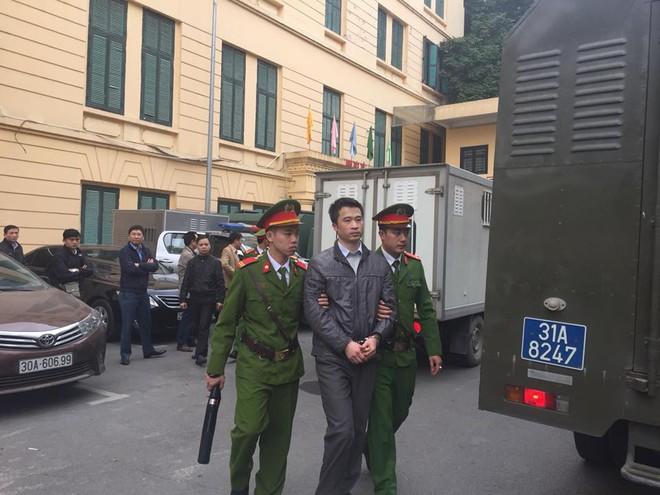 Ông Đinh La Thăng bị tuyên 13 năm tù, Trịnh Xuân Thanh chung thân - Ảnh 11.