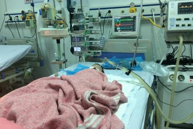 Bé gái 8 tháng tuổi bị tiêm nhầm thuốc tại BV Đa khoa Đông Anh đã qua đời - ảnh 1