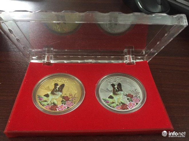 """Đua nhau """"săn"""" tiền lưu niệm hình linh vật Xuân Mậu Tuất 2018 - Ảnh 10."""