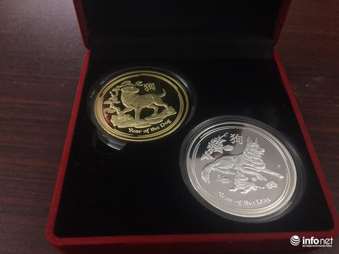 """Đua nhau """"săn"""" tiền lưu niệm hình linh vật Xuân Mậu Tuất 2018 - Ảnh 11."""