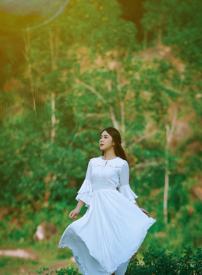 Cận cảnh cô gái xinh đẹp khiến thanh niên loại mình phải nuối tiếc chọn lại ngay lập tức - Ảnh 12.