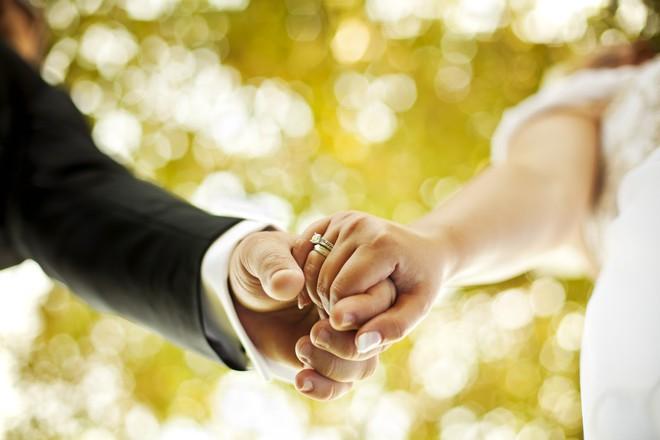 Những luật lệ hôn nhân kì lạ nhất thế giới: Philippines không cho phép ly hôn, Anh không công nhận hôn nhân tổ chức ở ngoài trời - Ảnh 14.