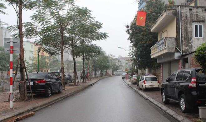"""[Ảnh] Hà Nội tăng phí gửi xe, """"xế hộp"""" nháo nhác tìm chỗ đỗ - Ảnh 15."""