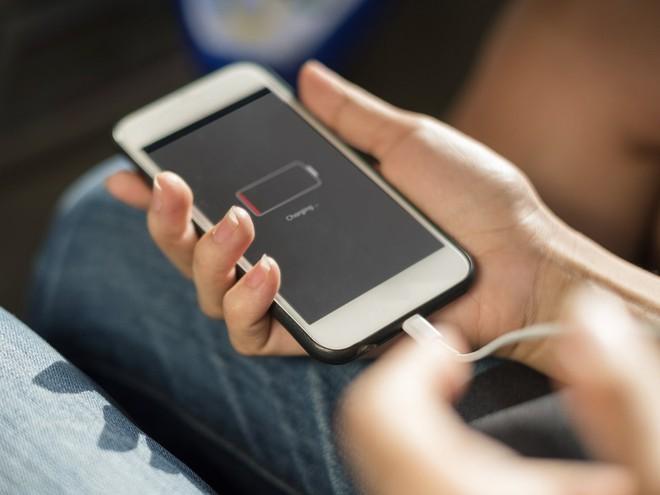 Hầu hết người dùng đang sạc điện thoại sai cách - Ảnh 3.