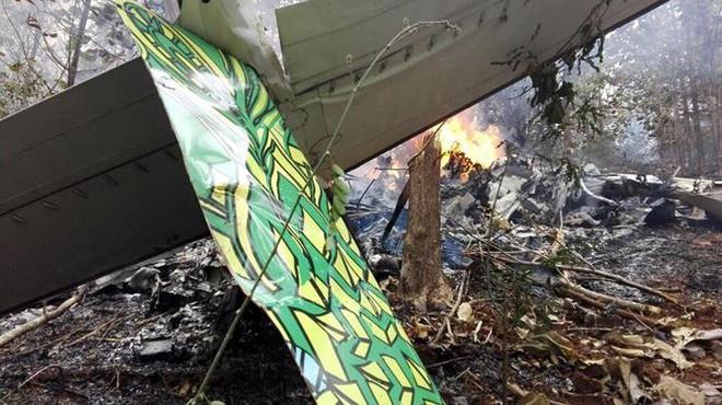 Máy bay chở 12 người rơi ngày cuối năm, không ai sống sót  - Ảnh 3.