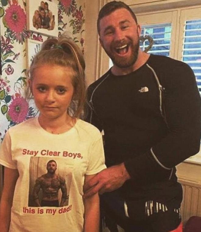16 ông bố vợ khó tính level max bảo sao con gái không ế - Ảnh 4.