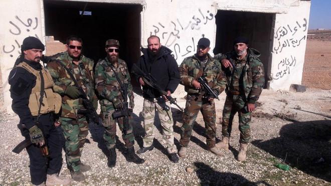 Cùng QĐ Syria, lực lượng tinh nhuệ Palestine tràn ngập Idlib với vũ khí Mỹ: Toàn đồ chất - Ảnh 5.