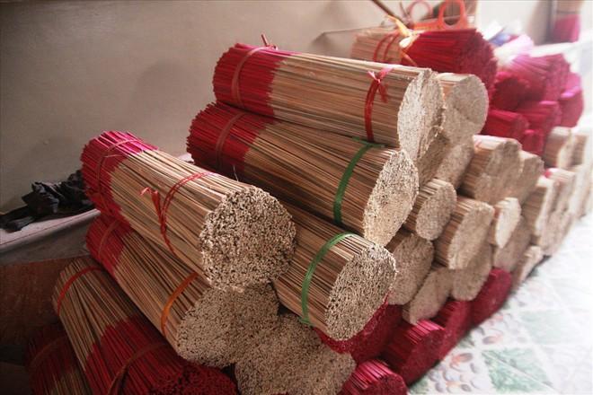 Làng nghề hương trầm Quỳ Châu hối hả vào tết - Ảnh 5.