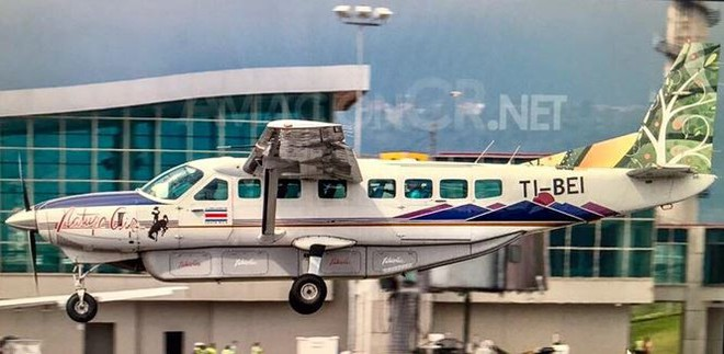 Máy bay chở 12 người rơi ngày cuối năm, không ai sống sót  - Ảnh 6.