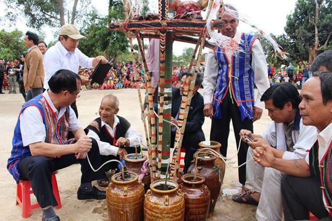 Đặc sắc lễ mừng lúa mới của đồng bào Xê Đăng - Ảnh 7.