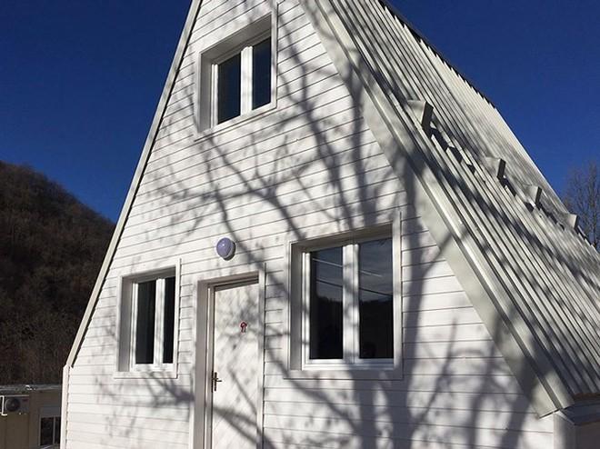Bên trong căn nhà gỗ xây dựng chỉ trong 6 tiếng đồng hồ - Ảnh 7.