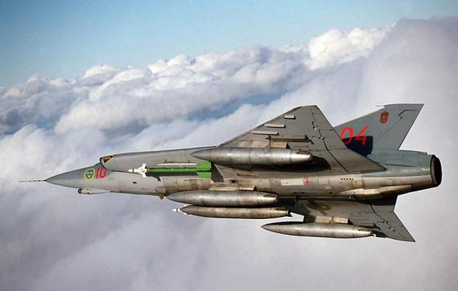 """Saab 35 Draken: """"Rồng sắt"""" đáng sợ của Không quân Thụy Điển - Ảnh 9."""