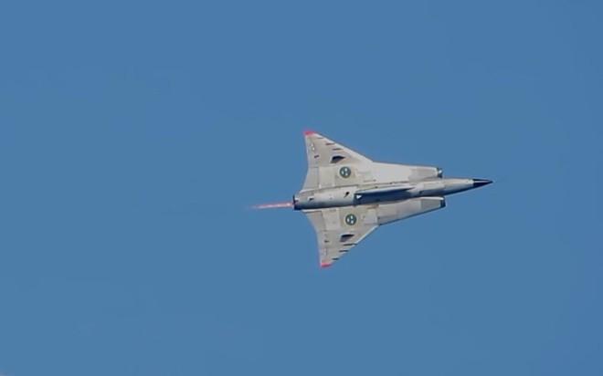 """Saab 35 Draken: """"Rồng sắt"""" đáng sợ của Không quân Thụy Điển - Ảnh 10."""