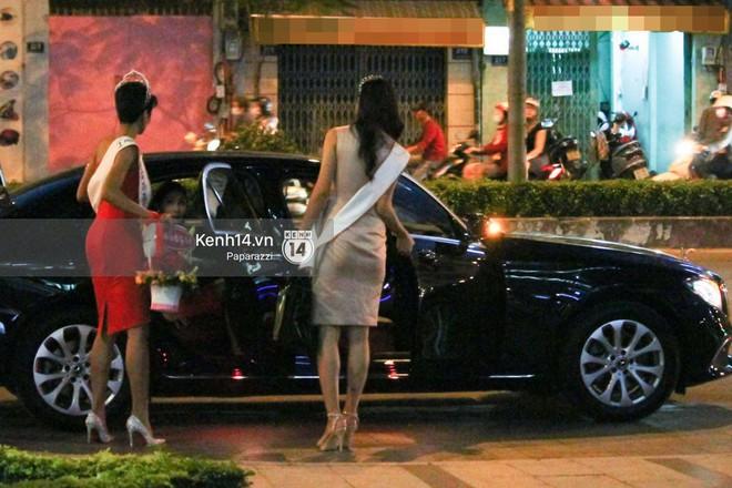Một ngày làm việc từ sáng sớm đến tối mịt của Top 3 Hoa hậu Hoàn vũ Việt Nam 2017 - Ảnh 10.