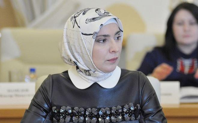 Nữ nhà báo Hồi giáo nộp hồ sơ tranh cử Tổng thống Nga