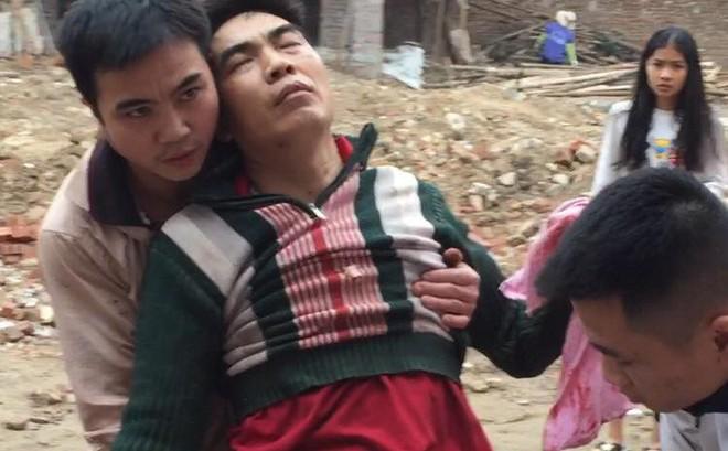 Nhặt vỏ đạn sau vụ nổ ở Bắc Ninh, người đàn ông bị nổ nát bàn tay