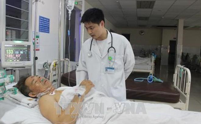Cứu sống bệnh nhân vỡ tim vì bị máy trộn bê tông đè lên người