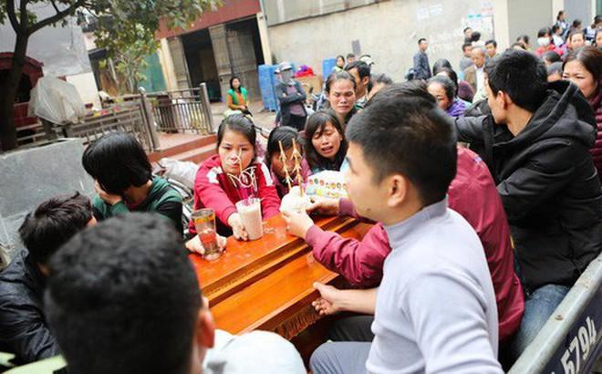 Người thân đau đớn tiễn đưa bé gái 2 tuổi tử vong trong vụ nổ kinh hoàng ở Bắc Ninh