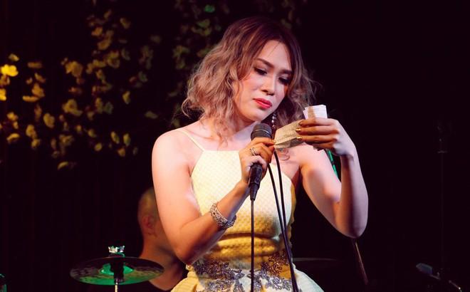 [Video] Hai ca khúc Bolero bá chủ năm 2017, khiến Mỹ Tâm cũng phải hát