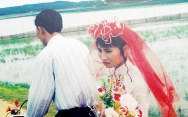 """Ngọt ngào đầm ấm những đám cưới từ thời ông bà anh, hóa ra bí mật hạnh phúc chỉ gói lại bằng """"3 không"""" thật đơn giản!"""