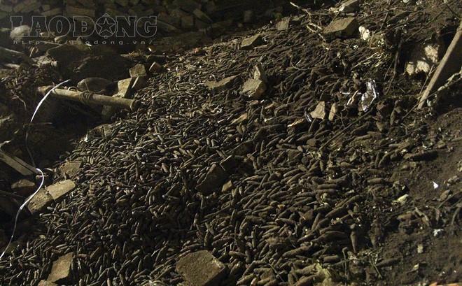 Lo sợ số đầu đạn đang cất giữ sẽ phát nổ như vụ ở Bắc Ninh, người đàn ông ra trình báo
