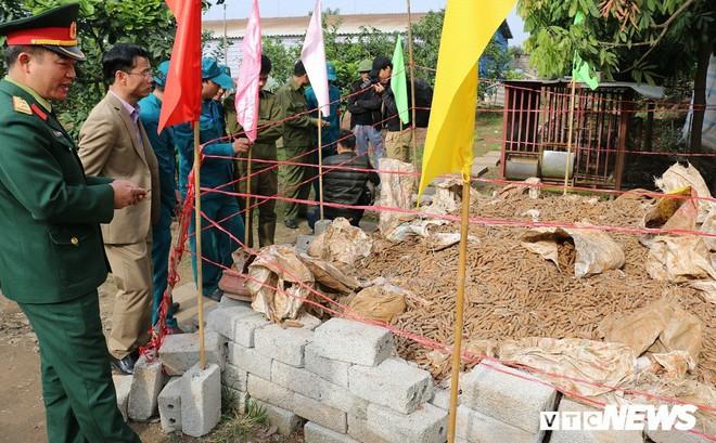 Vụ dân cất giữ gần 6 tấn đầu đạn, lựu đạn ở Hưng Yên: Điểm tập kết ngay sau Ủy ban xã