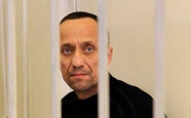 """Kẻ sát nhân hàng loạt được mệnh danh """"Người sói"""" Mikhail Popkov"""