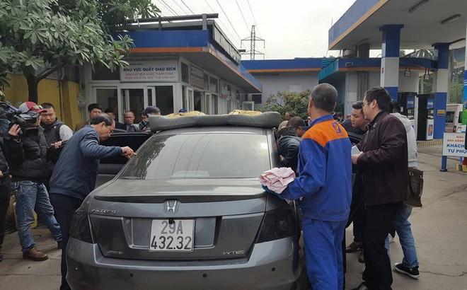 Kỹ sư Honda lên tiếng vụ xe ô tô dung tích bình xăng 70L đổ được gần 82L